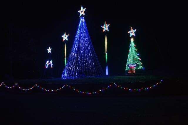 Palmerton Park Christmas Lights 2020 Palmerton man spreads the Christmas cheer through a light show