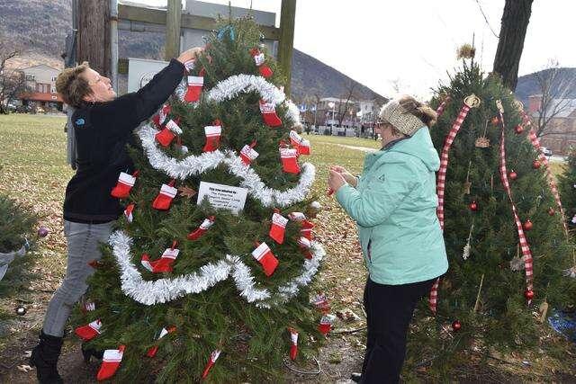 Palmerton Park Christmas Lights 2020 Palmerton prepares for Christmas in the Park – Times News Online